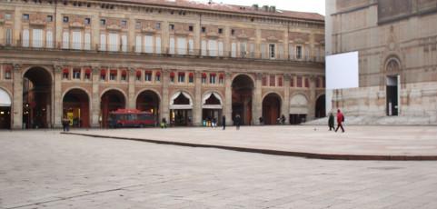 Reportage di Adriano Gonzaga – Nel centro storico, in una tranquilla mattina, l'evolversi del tempo